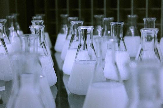 مراحل محلول سازی سود پرک