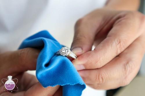 کاربرد آمونیاک در براق کردن جواهرات